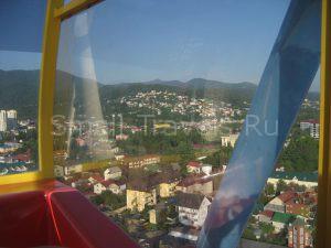 Вид на Лазаревское с колеса обозрения